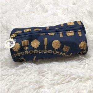 Estēe Lauder makeup bag